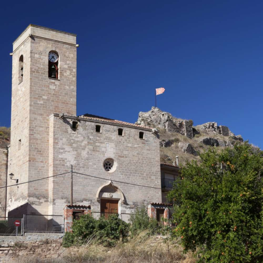 Castles with external and pre-booked tours
