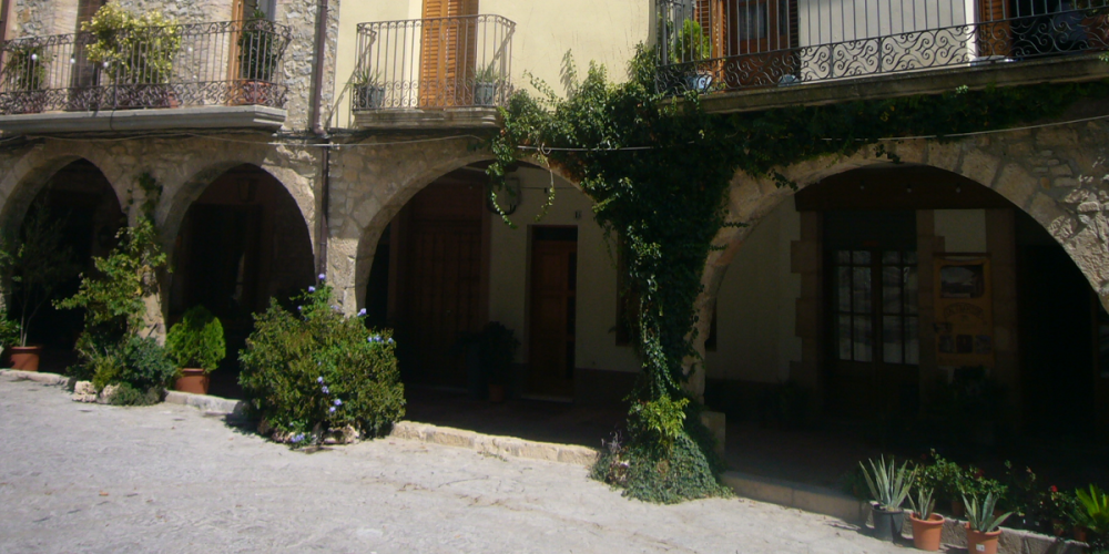 La plaça Major de La Llacuna